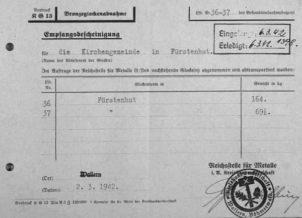 Potvrzení z Volar o přijetí kostelních zvonů z Knížecích Plání, datované 6. března roku 1942 a vlepené do tamní matriky