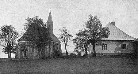 Někdejší kostel a fara v Knížecích Pláních