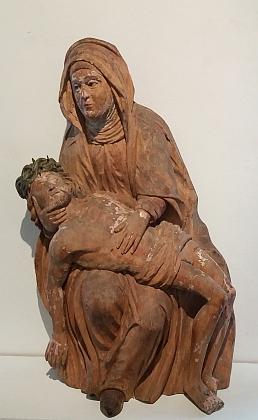 Pieta z Dolní Vltavice (kolem roku 1450), dnes ve sbírkách českokrumlovského muzea