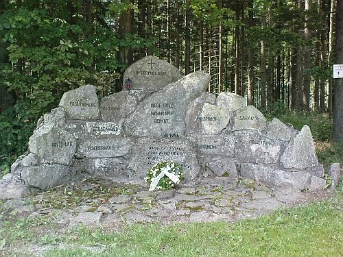 Památník farnosti Dolní Vltavice v rakouském Grünwaldu při Bärnsteinu