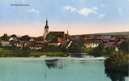 Dolní Vltavice na staré pohlednici Josefa Seidela i s částí starého mostu