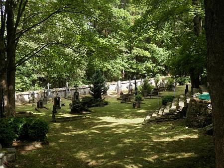 Hřbitov u mouřeneckého kostela