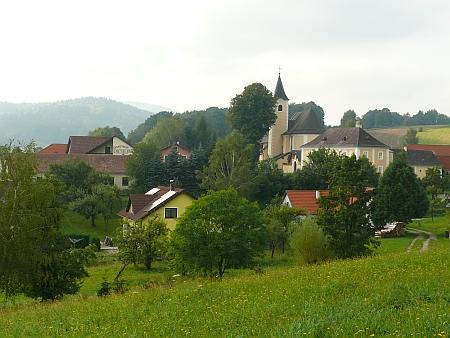 Harbach s farním kostel sv. Jana Křtitele