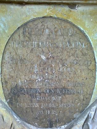 Náhrobek Ferdinanda von Häring na českobudějovickém Staroměstském hřbitově