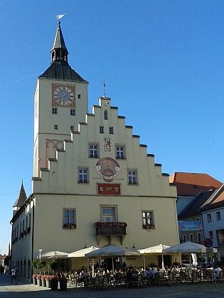 Radnice v Deggendorfu, městě, kde Karl Swihota působil jako finanční úředník