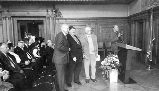 S Berndem Posseltem po své pravici na radnici patronátního města Ingolstadt v květnu roku 2015