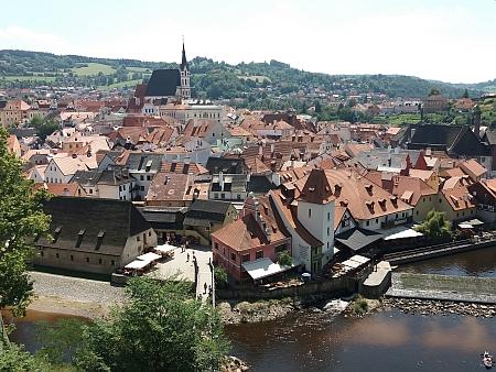 Pohled na Český Krumlov s kostelem sv. Víta