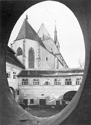 Krumlovský Svatý Vít ode dvora vedlejší prelatury