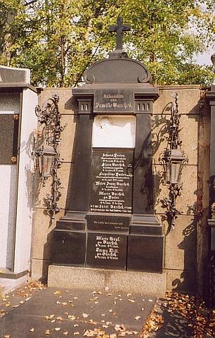 Hrobka rodiny Taschekovy na českobudějovickém hřbitově u sv. Otýlie...