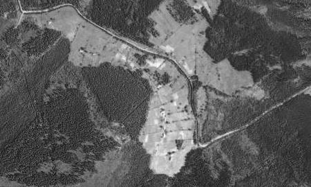 Jeho rodná Schätzova (Šecova) Mýť na leteckých snímcích z roku 1949 a 2011