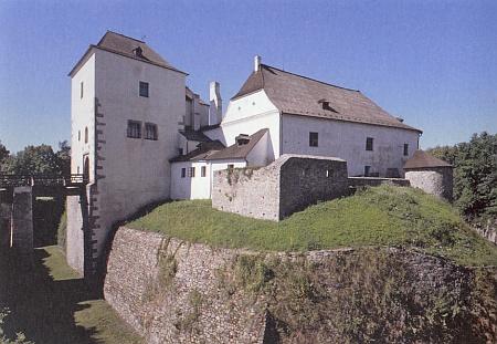 Zbytky původní hradní dispozice