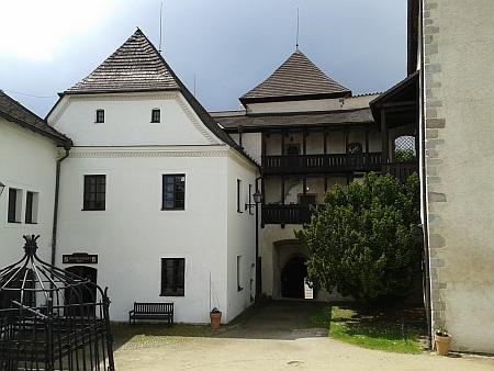 """Novohradský """"starý hrad"""""""