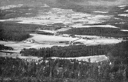 Pohled z Vintířových skal směrem k Frauenthalu a Hůrce (Hurkenthal)