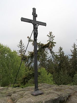 Kříž na Vintířových skalách