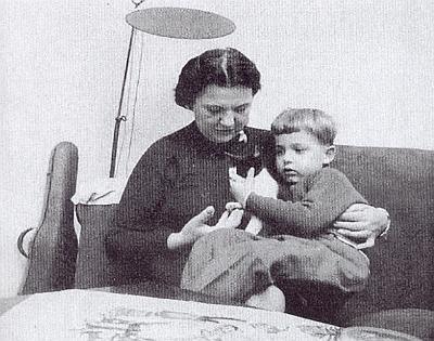 Veronika Eichmannová se čtvrtým svým synem, narozeným už v Argentině