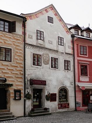 Dům čp. 63 v Kájovské ulici na snímku z roku 2018