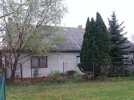 Rodný dům čp. 33 v Branišově na snímcích z roku 2020