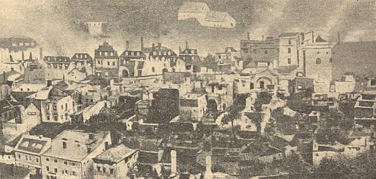 Dva záběry následků velkého požáru Vimperka v červenci 1904, necelé tři roky poté, co se tom městě narodil místnímu staviteli a jeho ženě ztiskařské rodiny Steinbrenerových