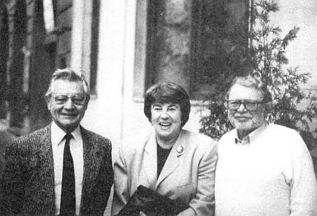 Se svým mužem v Brně roku 1995, prvý zleva stojí vedle nich překladatel z české literatury Franz Peter Künzel