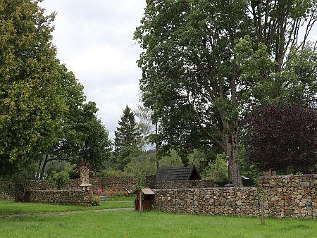 Tady stával kostel ve Strážném, kde byl pokřtěn