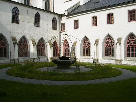 Rajský dvůr ve vyšebrodském klášteře