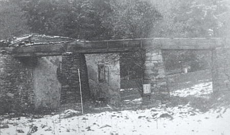 ... a tři snímky z likvidace objektu v roce 1956