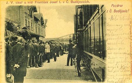"""Panovníkova návštěva v září 1905 (Trinksovi bylo dvanáct let), něčí český text na pohlednici začíná slovy """"Tramway mne nepřejela..."""""""