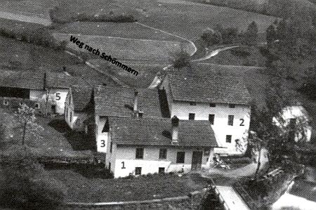 Snímek zachycující mlýn Ziehensackmühle ze severu s cestou vedoucí východním směrem na Všeměry