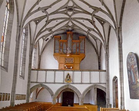 Interiér farního kostela v Haslachu