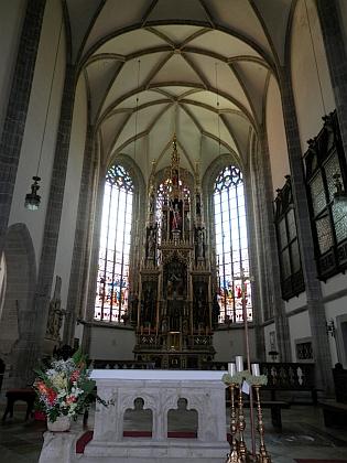 Kněžiště kostela sv. Hippolyta v Eferdingu