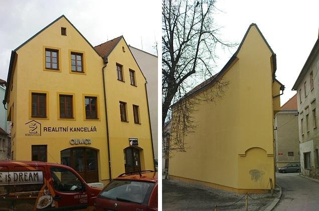 ... ale i novostavba reflektuje historický ráz ulice