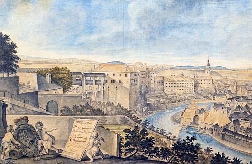 Kolorovaná kresba G. A. Hörnera z roku 1743 zachycuje českokrumlovský zámek s částí města sto let předtím, než je datován Urbanův text