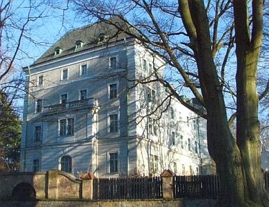 Zámek v Chodové Plané patřil i s celým panstvím bavorskému rodu Haimhausenů