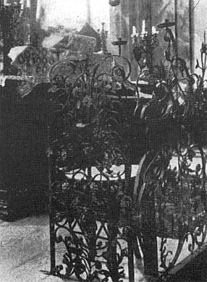 Synagoga v Chodové Plané na počátku dvacátého století a dva pohledy do jejího interiéru