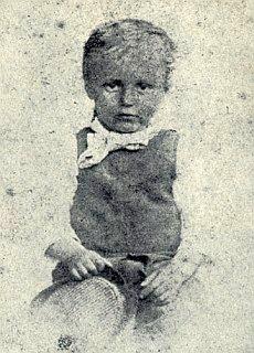 ... a jedním z prvních v Čechách - o tom svědčí daguerrotypie syna Adolfa z roku 1868
