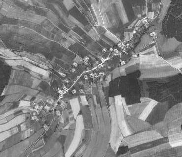 Rodná Kondrač na leteckých snímcích z let 1952 a 2008