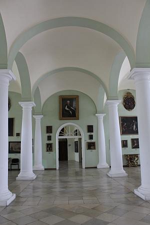 Jeho portrét (detail viz výše) dnes visí veVelkém sále vyšebrodského kláštera