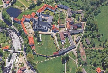 Letecký pohled na vyšebrodský klášter z roku 2012