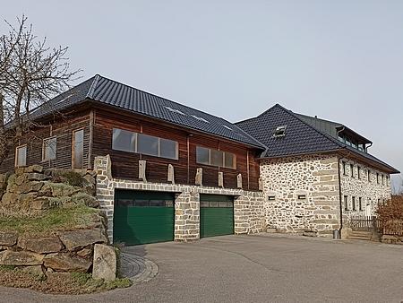 Rodný dům čp. 1 v Oberlaimbachu na snímku z roku 2021
