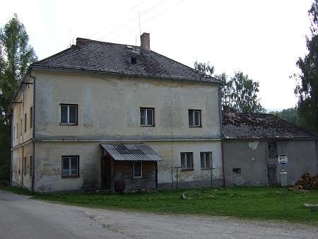 Škola v Nové Peci, kde učil