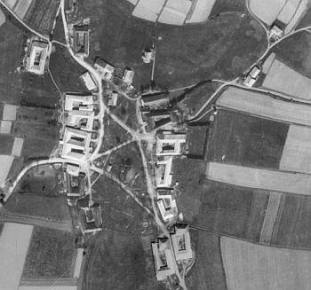 Bělá (Parkfried) na leteckých snímcích z let 1947 a 2008