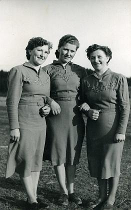 Sestry: odleva Olga, Gertrud aMargarete