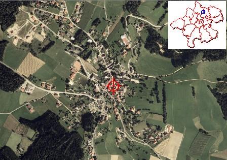 Letecký snímek obce Sankt Veit im Mühlkreis s její polohou na schematické mapce Horního Rakouska