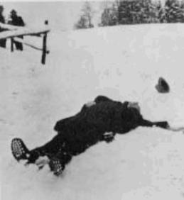 Mrtvý Robert Walser ve sněhu na Boží Hod vánoční 25. prosince 1956