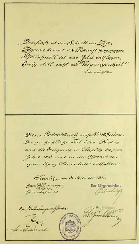 """Úvodní strana kaplické kroniky, kterou psal, s verši Schillerovými o """"trojím kroku času"""""""