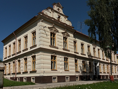 Budova hornoplánské měšťanské školy