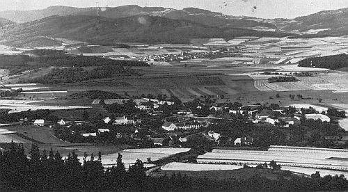 Na snímku jsou Boletice s okolím před vyhnáním