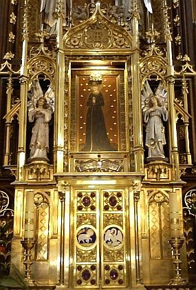 Obraz Panny Marie Budějovické na oltáři kostela Obětování Panny Marie (viz i Franz Xaver Franz aMichael Schichelius)