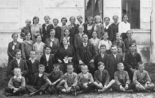 Jako řídící učitelka v Rychnově nad Malší (viz i Pius Gockner)