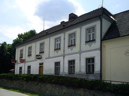 Budova bývalé školy ve Studánkách